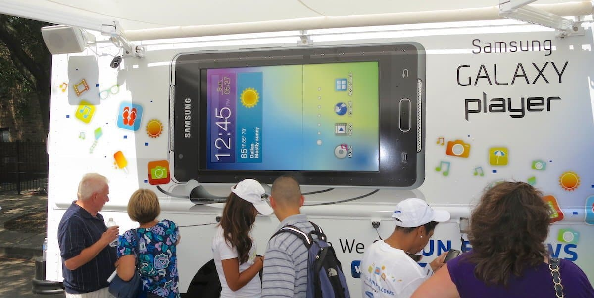 Samsung Galaxy Mobile Experiential Marketing Tour - Lincoln Park, Chicago
